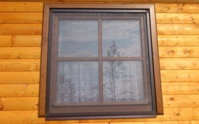 sítě na okna s okapničkou